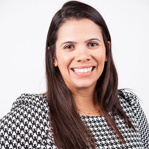 Dr Larissa Oliviera